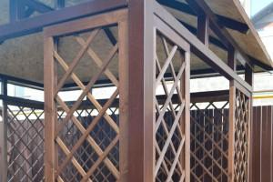 Отделка навесов и беседок деревянными шпалерами