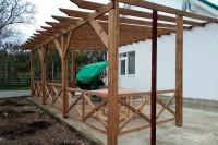 Навес из дерева - установка и монтаж в Анапе
