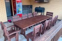 Деревянная садовая мебель: стол, стулья, кресла