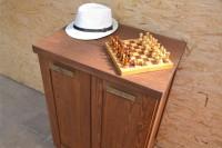 Шкаф из массива дерева для кухни, цвет орех