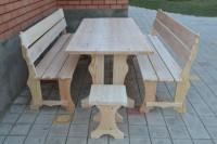 Садовая мебель из дерева: стол, 2 скамейки, 2 табурета