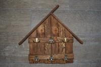 Ключница из дерева - оригинальный подарок на Новый год!