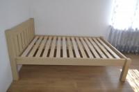 Кровать из массива дерева в эко стиле